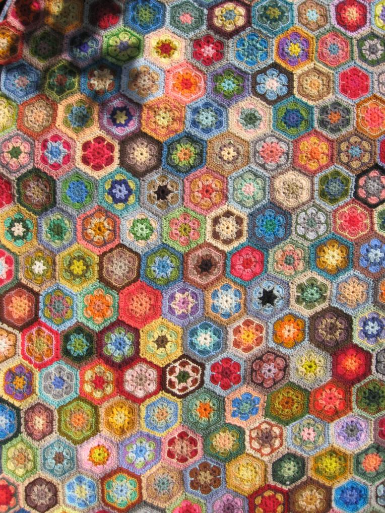 crocheted hexagons for the grannies paperweight blanket