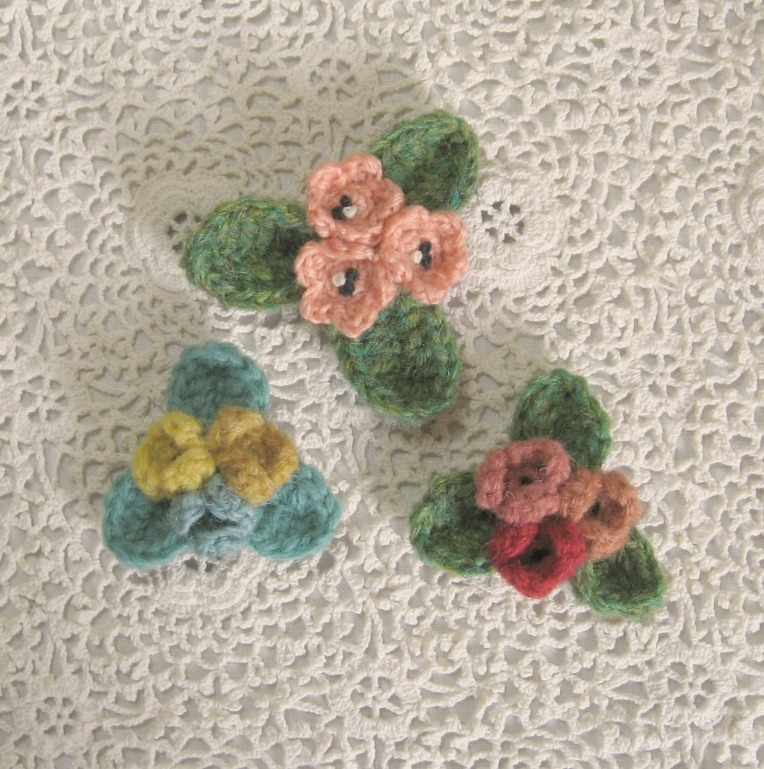 brooches and buttons 001(1)