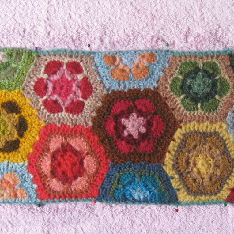 blocked section of grannies paperweight scarf