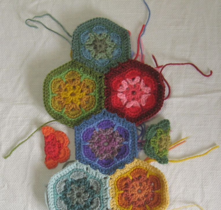crocheted half hexagons fill in the side gaps